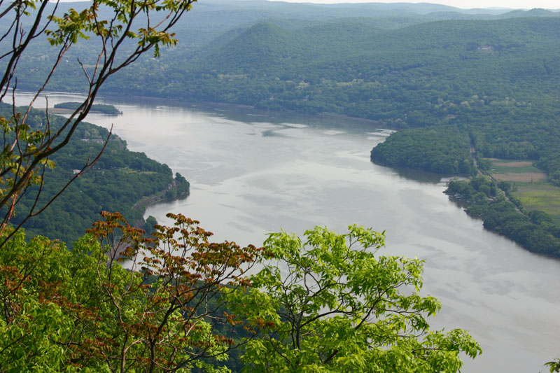 hudson-river-from-perkins-drive