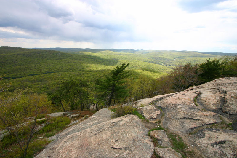 hudson-valley-vista-from-the-top-of-perkins-drive