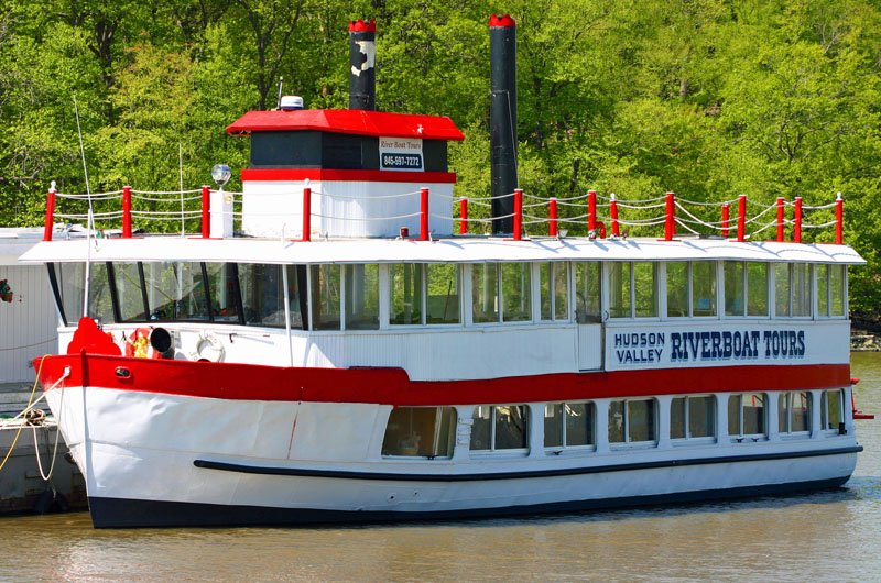 21-riverboat-tours
