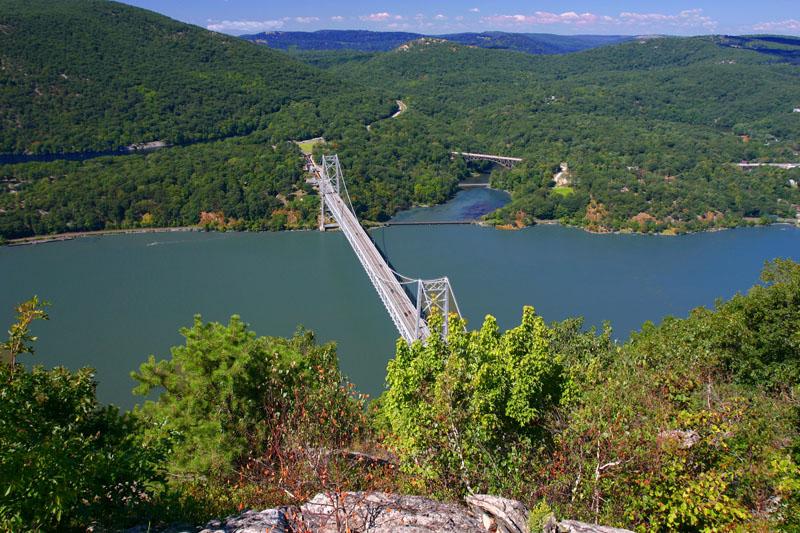 bear-mountain-bridge-from-atop-anthonys-nose