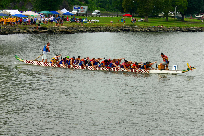 dragon-boat-crew-getting-speed-up