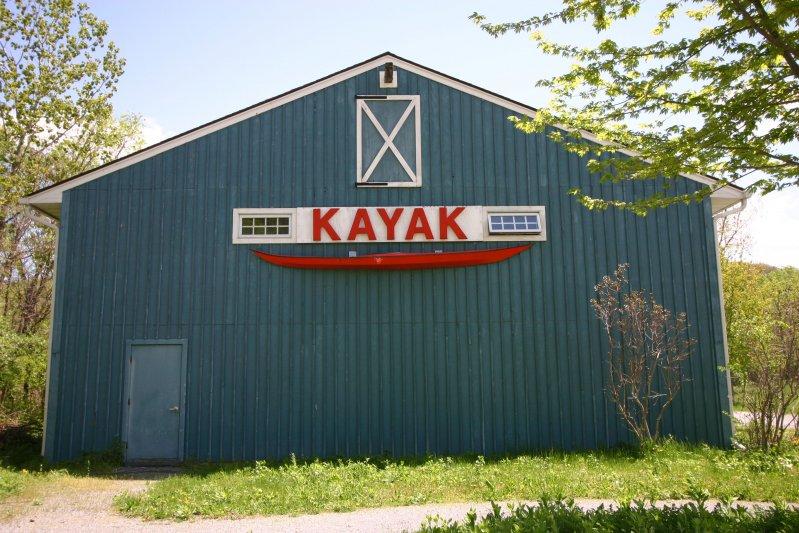 kayak-center-at-annsville-circle