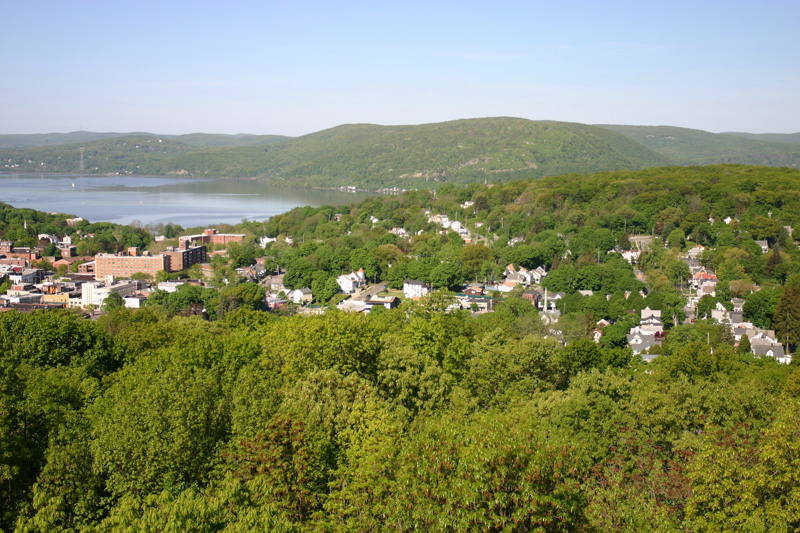 hudson-valley-vista-from-river-house2