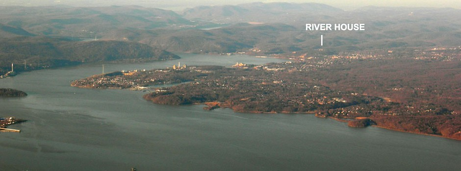 aerial_view_of_peekskill_hudson_river_valley